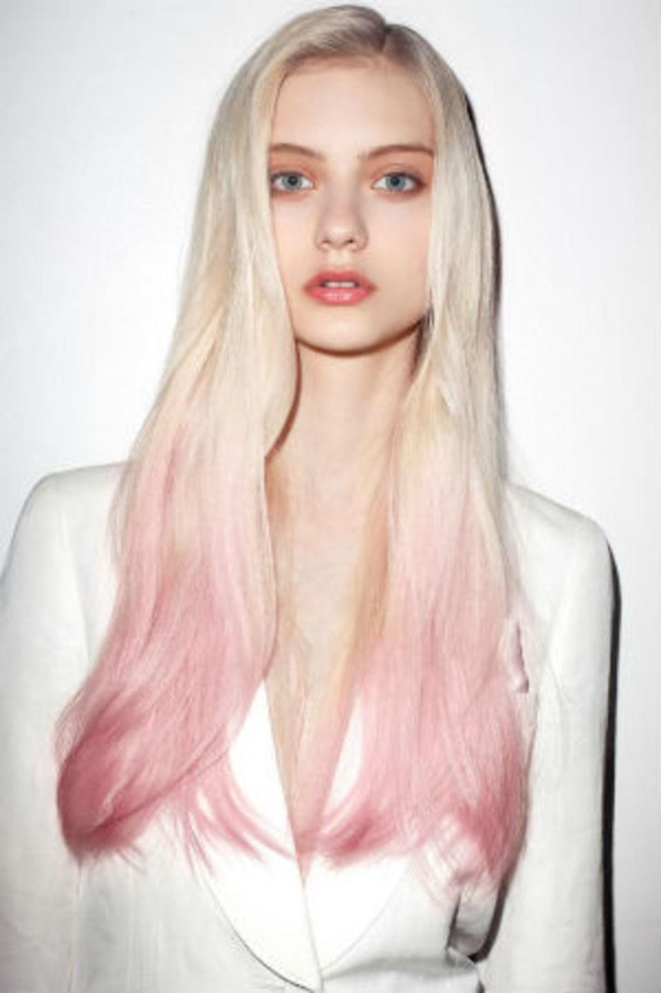 blondine langhaarfrisuren trends
